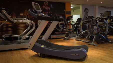 What is a Curved Treadmill and Why You Should Use One?